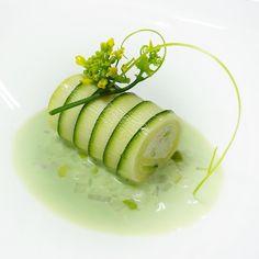 http://royalgram.co.uk/crab-green-apple-green-gazpacho-by-chef_wuttisak-chefsofinstagram-repice/