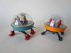 2x Russian wind up space planet explorers in plastic #MiddelburgsVeilinghuis