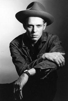 Paul Simonon - The Clash by Lynn Goldsmith Joe Strummer, Music Film, Music Icon, Lynn Goldsmith, The Future Is Unwritten, Paul Simonon, British Punk, Mick Jones, Evolution Of Fashion