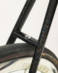 fixietime: Alex's track bike. Killer paint job...