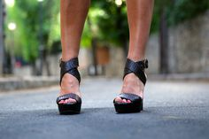 TrendyTaste with Caty Platforms sandals brown leather #Mas34sandals www.mas34shop.com