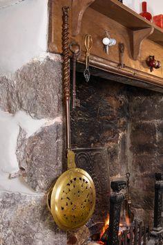 17th century Dutch bed warming pan, Marhamchurch antiques