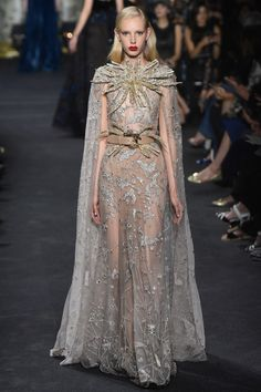 The 46 Most Couture Looks from Haute Couture Week Fall 2016 - Elie Saab Couture Week, Style Haute Couture, Elie Saab Couture, Runway Fashion, Fashion Show, Fashion Design, High Fashion, Paris Fashion, Club Fashion