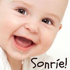 """""""El maquillaje que embellece más es una Sonrisa Sincera"""". http://www.yoespiritual.com/reflexiones-sobre-la-vida/una-sonrisa-significa-mucho.html"""