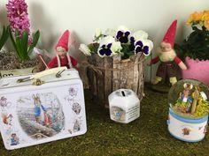 "Lunchbox, Ceramic saving box, Musical ""Peter Rabbit"" by ""Beatrix Potter"""