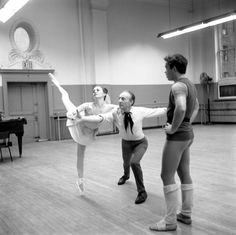 """New York City Ballet rehearsal of """"Allegro Brillante"""" with Patricia McBride, George Balanchine and Andre Prokovsky, choreography by George Balanchine (New York) IMAGE ID: SWOPE_1212954"""