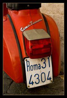 #Roma - #Vespa #Rome CC Chic