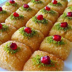 Finger Desserts, Finger Foods, Finger Finger, Avocado Dessert, Avocado Toast, Turkish Baklava, Turkish Sweets, Fish And Meat, Fresh Fruits And Vegetables