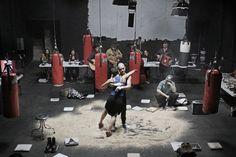 Teatro Obra Baños Roma bailando en la arena
