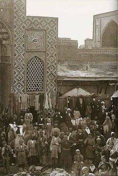 Isfahan, Iran 1880s -  bazaar, photo by Antoin Sevruguin