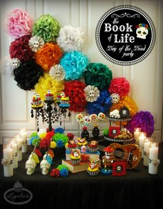 Day of the Dead party ideas inspired by the traditional Mexican holiday, Dia de los Muertos, as well as the animated movie The Book of Life. A Day In Life, Book Of Life, The Book, Halloween Cookies, Halloween Decorations, Halloween Party, Halloween Cubicle, Haunted Halloween, Wall Decorations