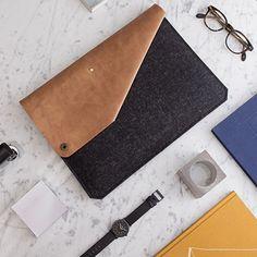 Laptoptasche aus Leder und Filz, Design für die Technik / design laptop case, made of leather and felt made by Alexej Nagel via DaWanda.com