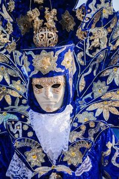 ~Carnevale di Venezia / aestheticvision:  A strong image of a male masker
