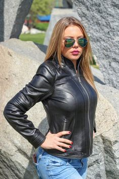 Black Leather Pants, Red Leather, Latex Cosplay, Hot Girls, Jeans, Denim, Leather Outfits, Womens Fashion, Leather Jackets