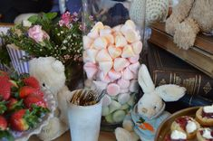 Flavoured meringues for babyshowers. Meringue, Rosettes, Tasty, Events, Fresh, Table Decorations, Home Decor, Merengue, Decoration Home
