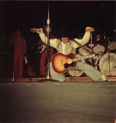 1976 6 01 Elvis Presley au Centre communautaire Arena, Tucson, AZ