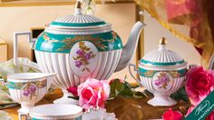 Belvedere Herend Tea Set is an Empire-style recall of the first half of century.