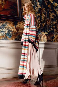 See the complete Chloé Pre-Fall 2016 collection.
