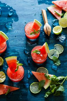 Keep Summer Cool with a Refreshing Watermelon Agua Fresca ⋆ Handmade Charlotte Fruit Drinks, Vodka Drinks, Beverages, Cocktails, Pavlova, Watermelon Aqua Fresca, Watermelon Cocktail, Mojito, Cheesecakes