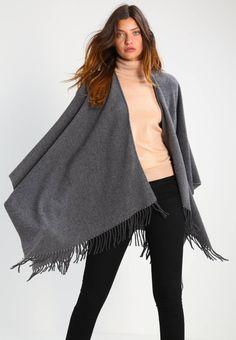 Holzweiler. DIPPER - Kapper - grey. Fit:vid. Mønster:meleret. Materiale:90% uld, 10% kashmir. Samlet længde:105 cm i størrelsen One Size. Plejeanvisning:kemisk rensning. Længde:knælang. Rygbredde:38 cm i størrelsen One Size. Ærmelæng... Uld, Kimono Top, Grey, Tops, Women, Fashion, Ash, Moda, Gray