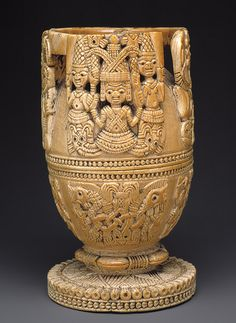 Africa | Lidded bowl from the Yoruba (Owo subgroup) people of Nigeria | Ivory, wood or coconut shell inlay | ca. 17th - 18th century/