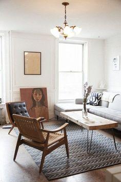 Il meglio dai blog!  Alcune case sono arredate con oggetti di diversa provenienza e assemblati con gusto e saggezza. Questa storia ce la racconta Ecce Home! http://eccehomeblog.blogspot.it/2014/07/la-casa-di-maayan-brooklyn.html #arredamentocasa #blog