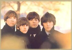 John Lennon, Richard Starkey, Paul McCartney, and George Harrison (forever cool) Beatles Lyrics, Les Beatles, Beatles Love, Beatles Photos, Beatles Art, Beatles Funny, Beatles Poster, Beatles Albums, George Harrison