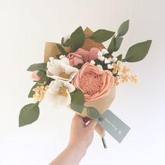 Felt Flower Bouquet - Pastel Woodland - Artificial Flowers- Fake Flowers - Home Decor Peach Flowers, Bunch Of Flowers, Fake Flowers, Artificial Flowers, Fabric Flowers, Felt Flower Template, Cumpleaños Diy, Paper Cactus, Felt Flower Bouquet