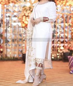 Embroidery Suits Punjabi, Hand Embroidery Dress, Embroidery Suits Design, Indian Gowns Dresses, Indian Fashion Dresses, Dress Indian Style, Beautiful Pakistani Dresses, Pakistani Dress Design, Desi Wedding Dresses
