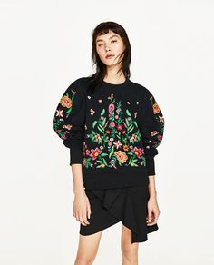 Image 2 of EMBROIDERED FLOWER SWEATER from Zara
