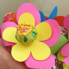 Flower lollipops Mexican Party Favors, Mexican Birthday Parties, Birthday Party Themes, Easter Crafts, Crafts For Kids, Clown Crafts, Recycling For Kids, Happy Birthday Baby, Troll Party