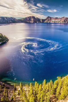 Giant swirl at Crater Lake National Park, Oregon - wow...