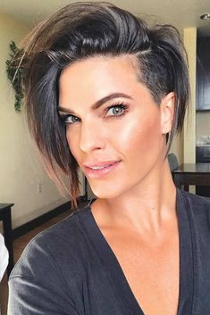 Bold And Classy Undercut Pixie Ideas That Make Heads Turn ★ Undercut Hairstyles Women, Stacked Bob Hairstyles, Hairstyles Haircuts, One Side Shaved Hairstyles, Undercut Pixie Bob, Pixie Bob Haircut, Short Hair With Undercut, Undercut Bob Haircut, Pixie Haircuts
