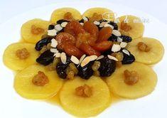 Asalam Alaykom, et bon #ramadan à tout le monde Lham lehlou ou tajine lahlou l'un des plats traditionnels algériens qu'on le trouve dans toutes les tables algérienne pendant le #ramadan… Plats Ramadan, Bon Ramadan, Ramadan Food, Algerian Recipes, Algerian Food, Ramadan Recipes, Fruit Salad, Food And Drink, Cooking Recipes