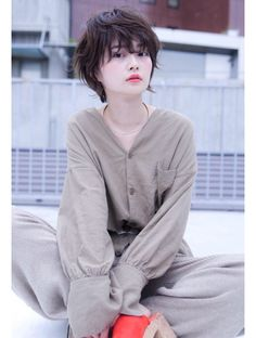 Find more information on simple short hairstyles Korean Short Hair, Short Grey Hair, Girl Short Hair, Short Hair Cuts, Japanese Haircut Short, Tomboy Hairstyles, Girl Haircuts, Medium Hair Styles For Women, Long Hair Styles
