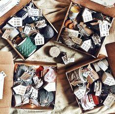 Instagram media by florist.sverige - Ni kan beställ dina presenter också 🎁🎁🎁#presenter #julpresent #julen #stockholm #upplandsväsby #sollentuna #sigtuna #rosersberg #märsta #arlanda #uppsala