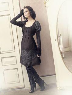 Romantic clothing, Cream