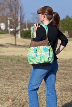 Great bag, if you are like me. Sometimes I need a backpack and sometimes I need a shoulder bag.