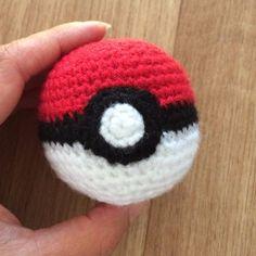 PokemonGo! CrochetGo! #1 Pokeball free crochet pattern