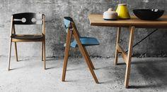 WeDoWood aus Dänemark erklären selbst ganz unprätentiös, dass die Inspiration zu ihrem schlichten, aber eleganten Stuhl Dining Chair No. 1 von einer Kehrschaufel stammt. Verblüffens ist, dass sich die Form einer Kehrschaufel tatsächlich hervorragend als Vorbild eines bequemen Esszimmerstuhls eignet.