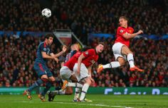 Nemanja Vidic heads it into the back of the net in 1-1 tie Champions League 1st round with Bayern Munich. #PHILJONESFACES