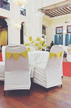 37 DIY Decor Ideas For Your Mehendi (And We Show You How!)   ShaadiSaga Desi Wedding Decor, Wedding Stage Decorations, Wedding Day, Big Fat Indian Wedding, Mehendi, Perfect Wedding, Wedding Planning, How To Plan, Decor Ideas