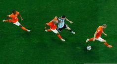 La garde orange de Lionel Messi - http://www.actusports.fr/111771/garde-orange-lionel-messi/