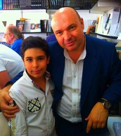 Con su editor de sial Pigmalion Basilio Rodriguez.