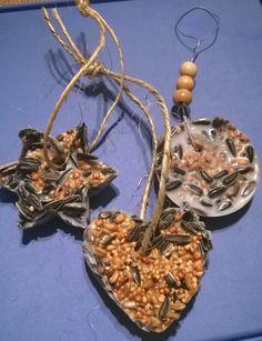 Linnunruokaa kookosrasvasta ja siemenistä