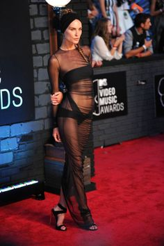 celebs dress-erin wasson