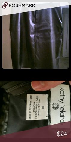 Faux leather pencil skirt Beautiful faux leather knee high pencil skirt. Worn only a few times. Slight wrinkling appearance to fabric in back. Kathy Ireland Skirts Pencil