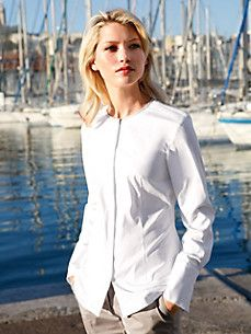 Peter Hahn offers blouses for women in a wide range of colours. Order a classic blouse for the office, sporty checked shirt or festive blouse Check Shirt, Blouses For Women, White Blouses, Ruffle Blouse, Tunic, Graphic Sweatshirt, Sporty, Sweatshirts, Sweaters