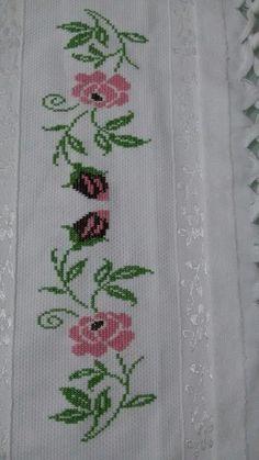 Easy Cross Stitch Patterns, Simple Cross Stitch, Cross Stitch Borders, Cross Stitch Flowers, Hand Embroidery Art, Cross Stitch Embroidery, Palestinian Embroidery, Embroidered Roses, Cross Stitch Kitchen