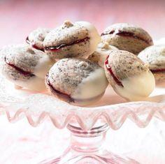 Gefüllte Mohnplätzchen - Zarte Weihnachtsplätzchen mit Mohn und Konfitüre